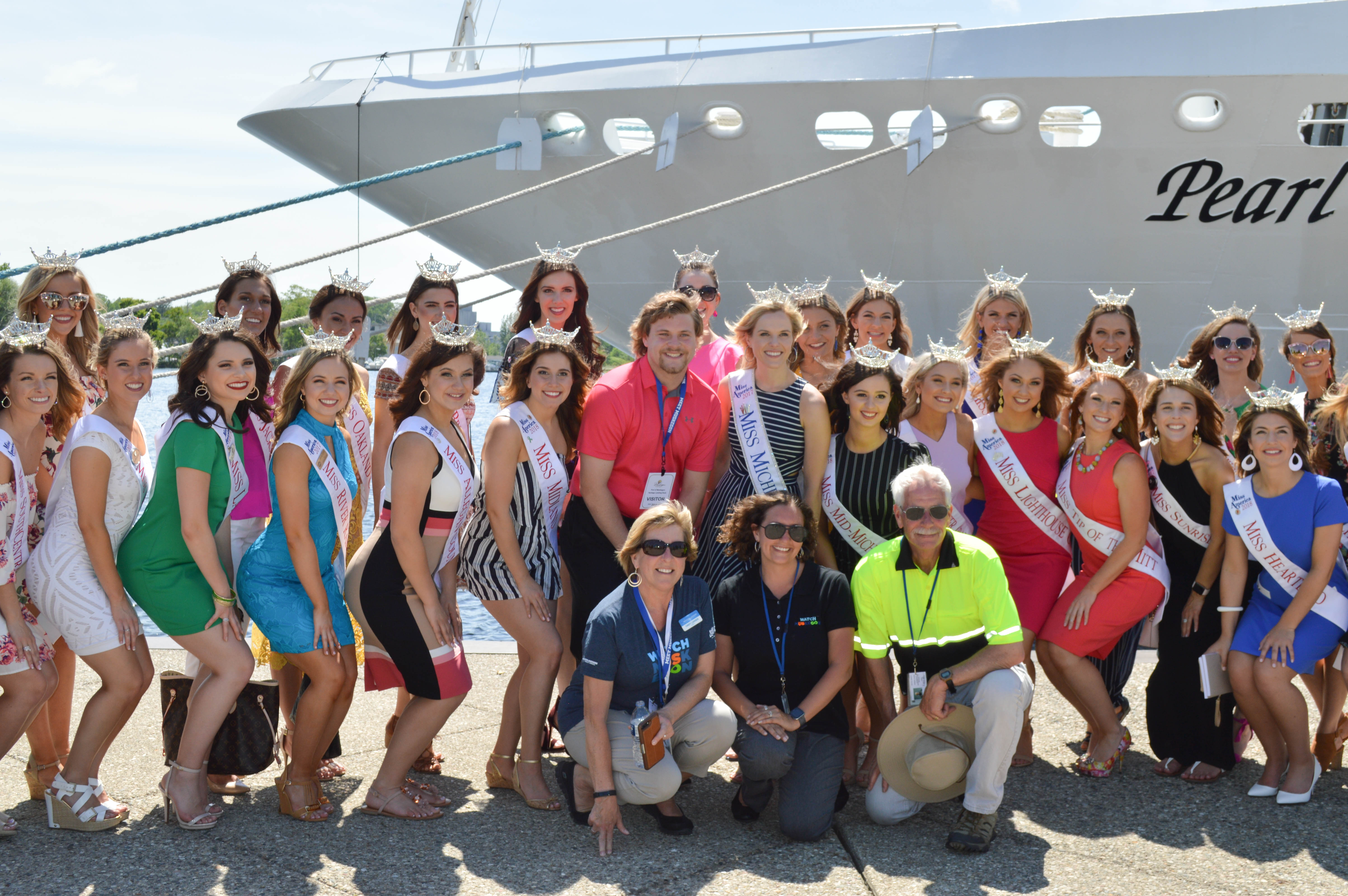 Miss Michigan Pageant Contestants in front of Pearl Mist cruise ship