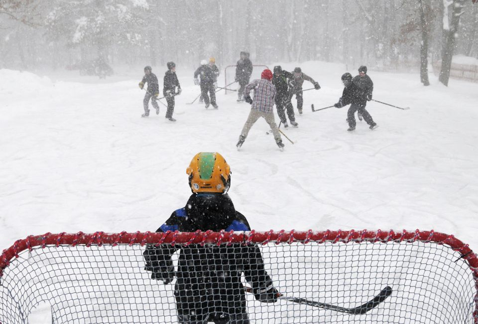 Kids playing Hockey at the Muskegon Winter Sports Complex